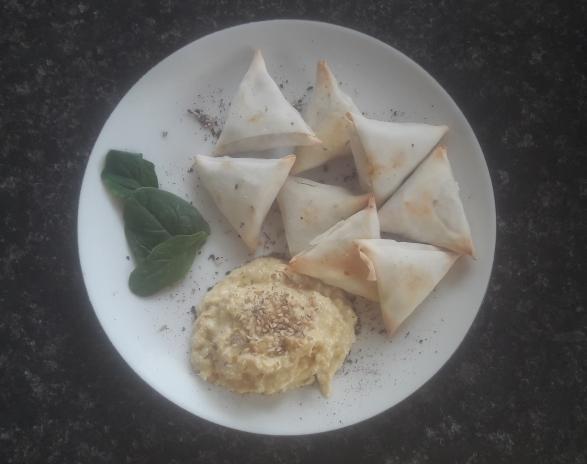 vegetarian samosa, healthy snack, hummus, foodie